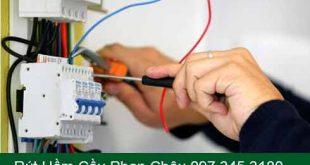 Sữa cầu dao điện CB điện âm tường giá rẻ tại nhà