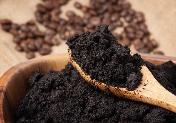 xử lý chống hôi bằng cà phê